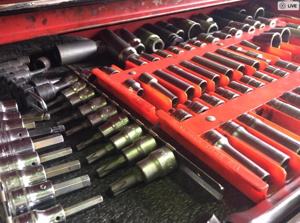 整備工場でプロが使う工具